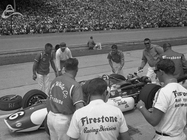 Bobby Grim pits, 1968. (Johnson)