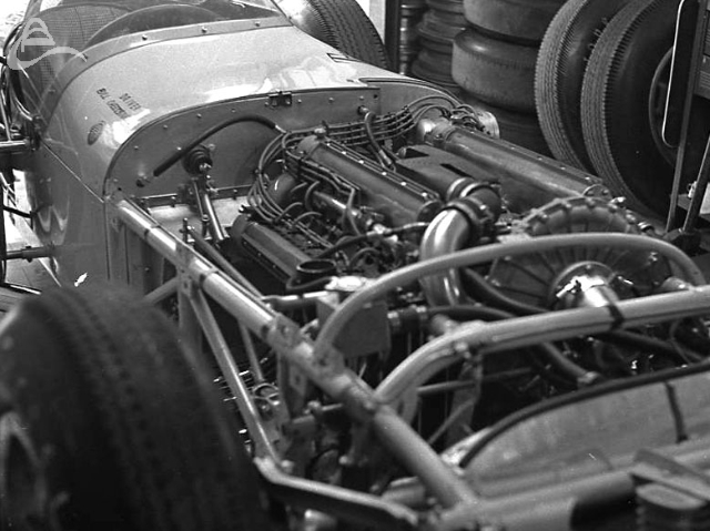 Bill Cheesbourg's engine. Note the Paxton supercharger on the front left of the motor. 1962 (Johnson)