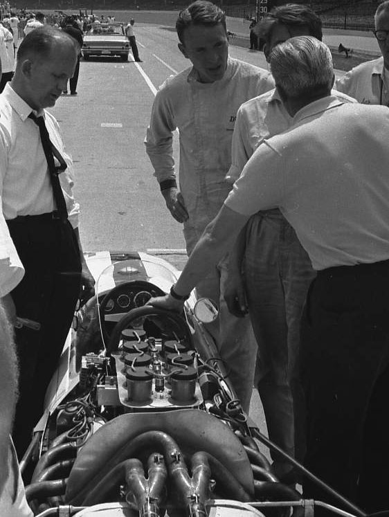Dan Gurney and friends, 1963. (Johnson)