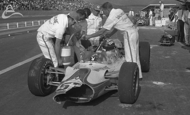Fuji, 1966. Gary Congdon pits with front end damage. (Johnson)