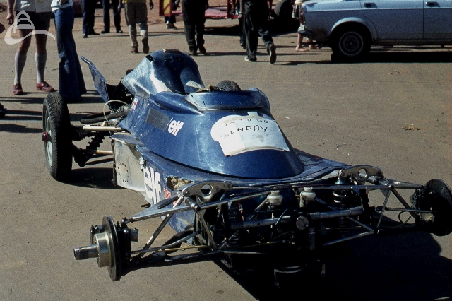 Scheckter, Tyrell 007 after a crash in practice SA GP 1975