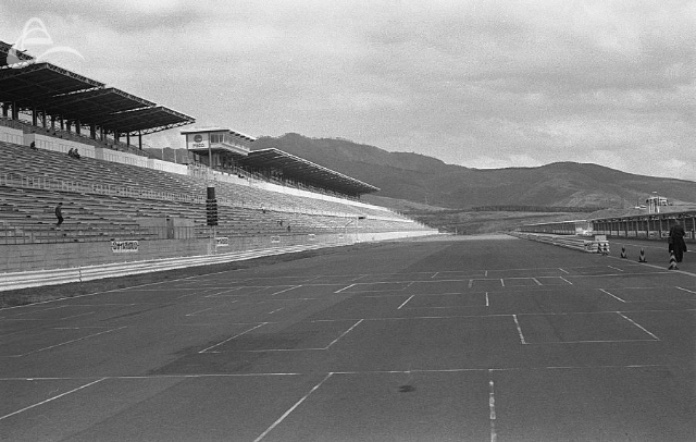 The main straight at Fuji. (Johnson)
